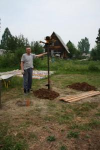 Евгений Лапухин с мотобуром